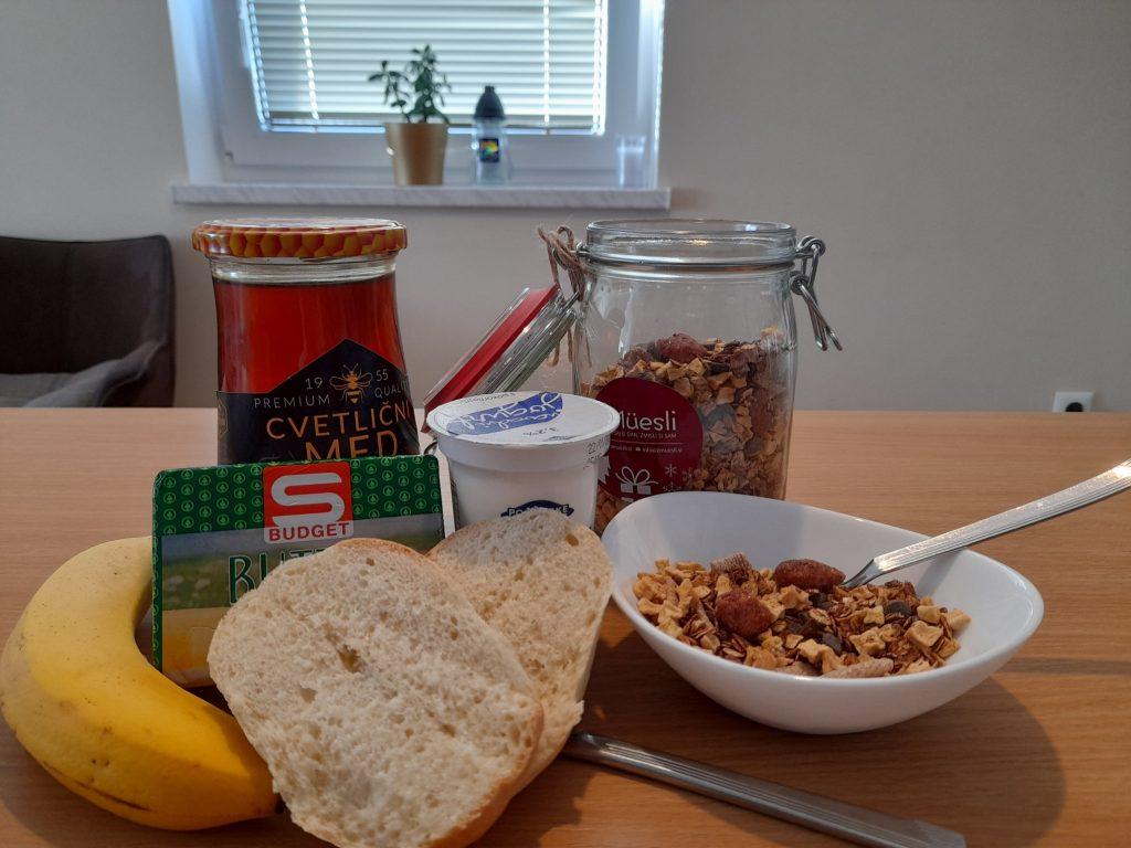 Sraka Andraž-8.r.-zajtrk